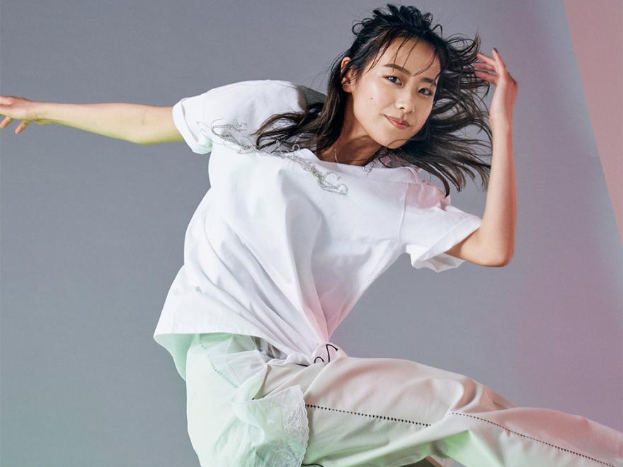 [Miyu]Tシャツは重ね着でダイナミック×上品に! 世界に羽ばたくダンサーが着こなす!