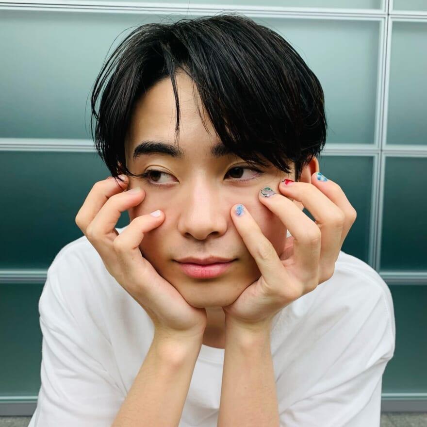 おためし!美容トライ人 豊田裕大<第6回>「初ネイルに大興奮、ポージングもばっちり!」