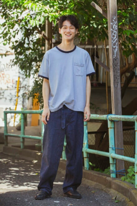 中川大輔は、ゆるTにパラブーツの革靴で等身大のこなれスタイル