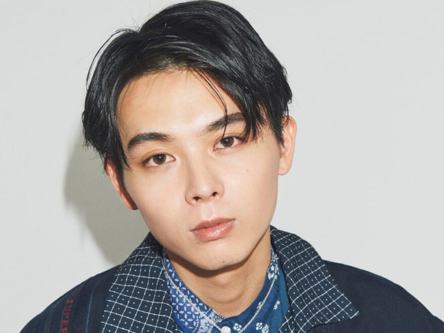 【和田 知朗くん】ツヤ感のある6:4ヘアに、太めの眉が生きる。目尻のインサイドラインで、少し力強さのあるムードに